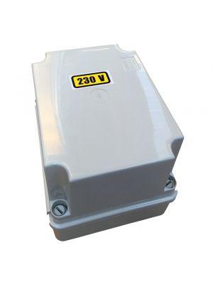 Trasformatore in cassetta 100 VA uscita 12 V per fari e illuminazione piscina