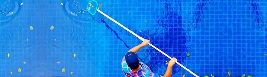 Pulizia e manutenzione per piscina