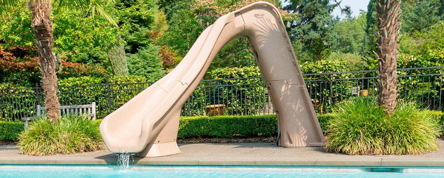 Scivoli per piscina residenziale - Piscine con scivoli ...