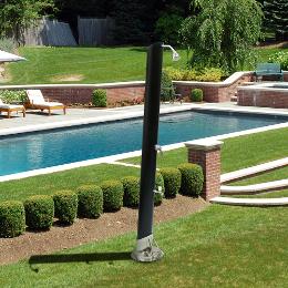 Docce piscina da esterno - Docce per piscine esterne ...