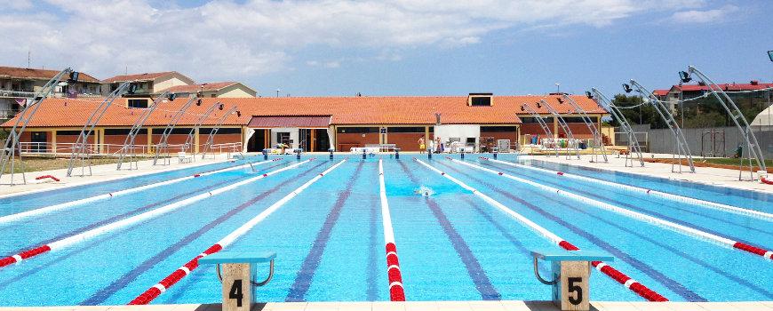 Accessori vari per completamento piscina cemento for Cuscini galleggianti piscina