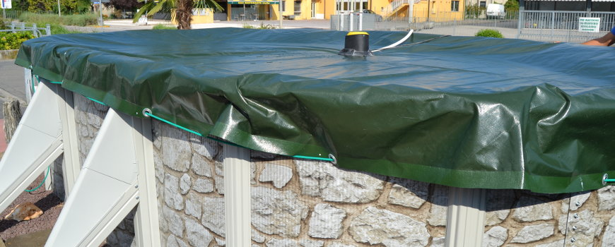 Copertura piscina fuori terra uq77 pineglen for Teli per piscine interrate