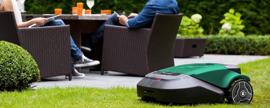 Robot tagliaerba Robomow per giardino