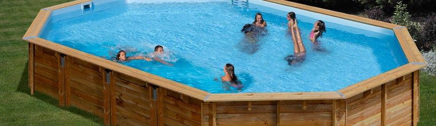 Gre ha proposto una linea di piscine in legno vero
