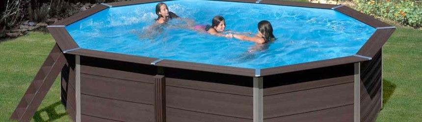I pannelli sono colore antracite, la piscina risulta bella ed elegante, la struttura non richiede alcuna manutenzione.