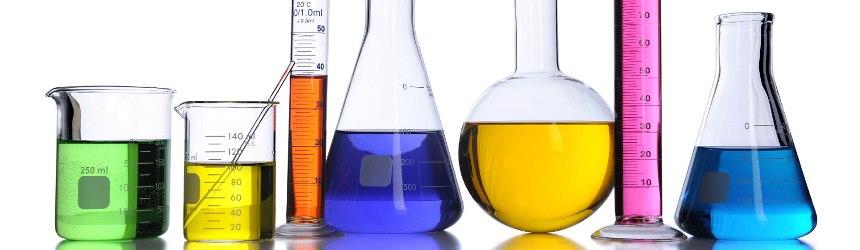 Prodotti chimici per la disinfezione ed il trattamento dell'acqua della piscina