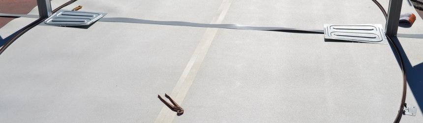 Il tappeto da fondo è fondamentale nell'installazione di piscine fuori terra.